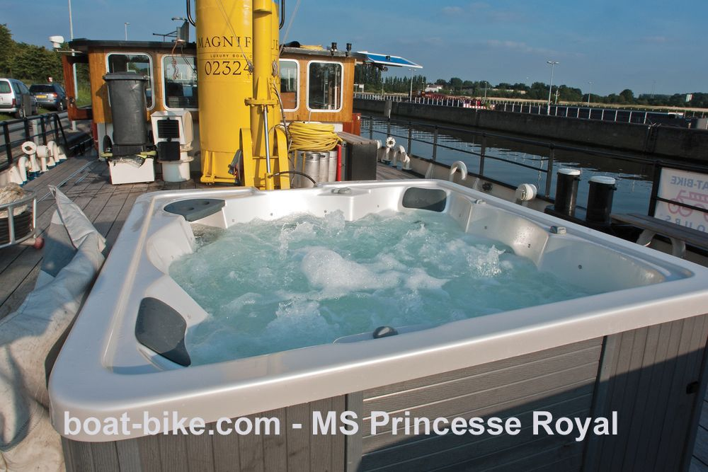 MS Princesse Royal - jacuzzi